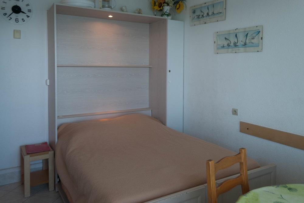 Le Lavandou, studio 4 couchages les pieds dans l e