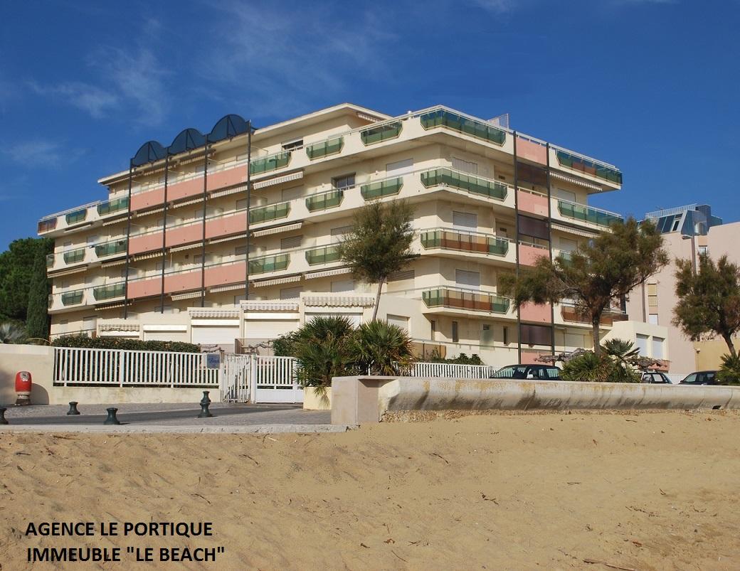 Le Lavandou, T2 cabine pour 4 couchages,  résidence standing bord de mer.