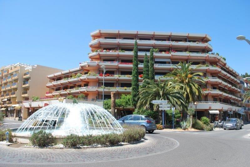 Location appartement 2 pièces au Lavandou, proche mer.