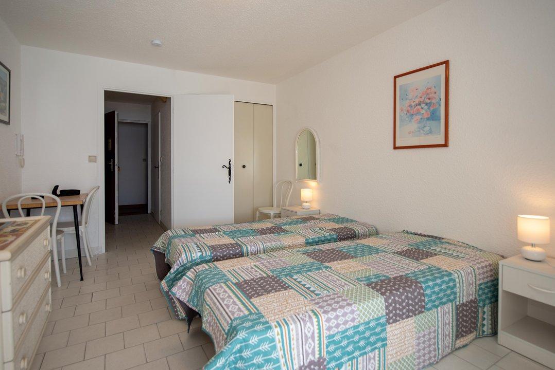Location appartement studio le Lavandou, bord de mer.