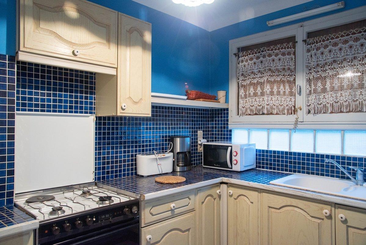 Location appartement Le Lavandou, beau T2 pour 4 personnes, belle vue mer.