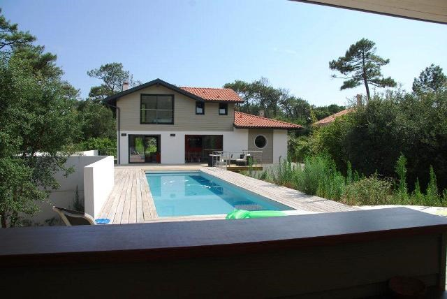 holiday rental villa for 10 in Hossegor(40) with pool