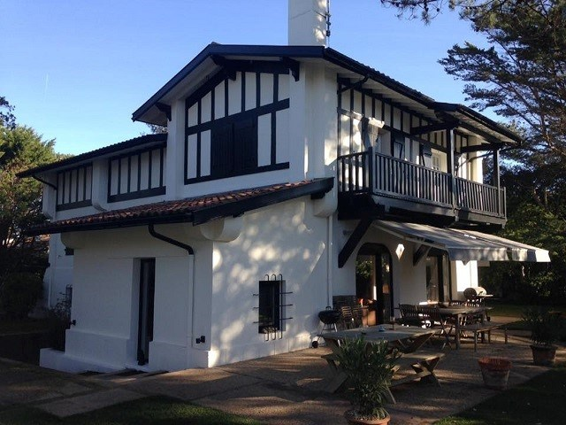 holiday rental villa for 18 in Hossegor(40) with pool